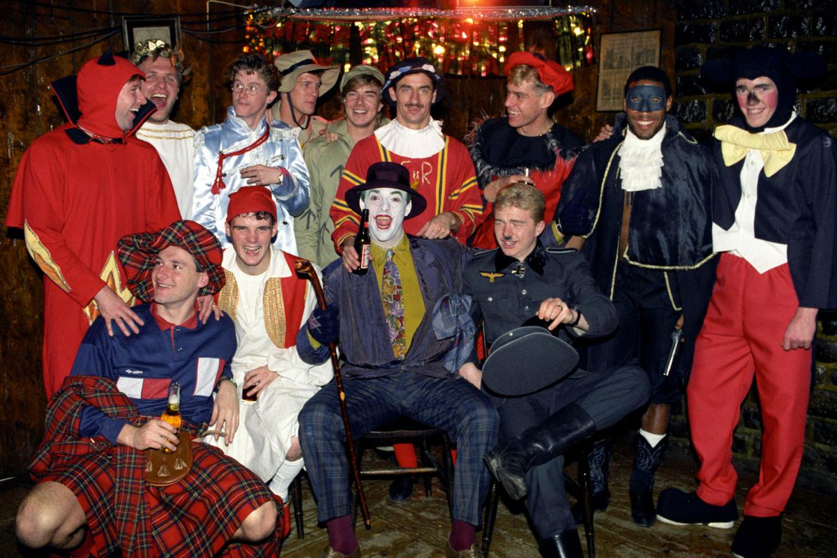 90s Christmas Photos.90s Football On Twitter Liverpool Players Dressed To