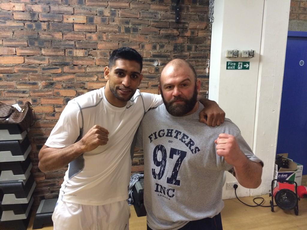 RT @PaulNewby1: Really enjoyed helping out today with @AmirKingKhan @FightersInc he's a great fighter and person. http://t.co/tfdo0rIQtc