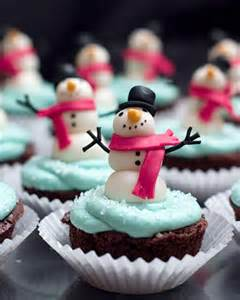 @CinniMini2 @RustytheKitty If you want something sweet, here are some snowman cupcakes.#skatepawty http://t.co/x1p2iSIHy6