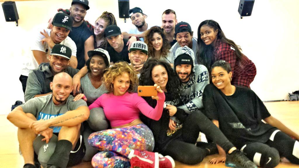 @JLo rehearsals be like... #LaFamilia!! - #JLoDancers http://t.co/xX3C9yxroC