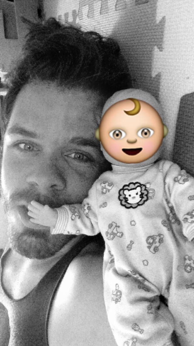 Add me on @Snapchat! I'm PerezHilton on there! xoxo #Snapchat #Snapchatting #PerezHilton http://t.co/PTwryWkbTc