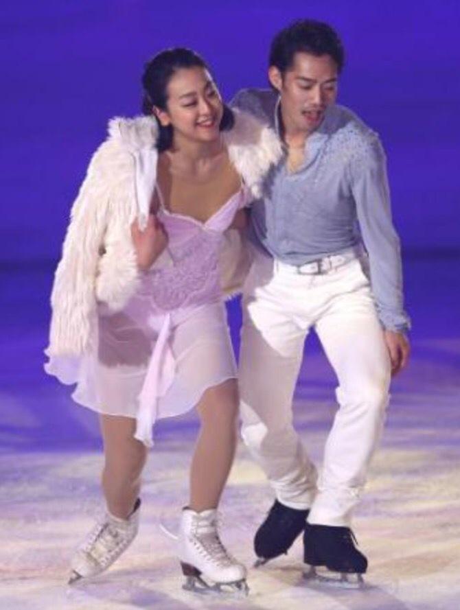 Ледовые шоу-2 - Страница 3 B5XeuPRCQAAdI7E