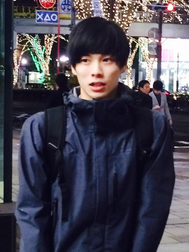 柾木 玲弥 on Twitter \u0026quot;マネージャーさんが撮った写真。 イルミネーションを背景にヘルメットみたいな髪型な僕 http//t.co/KgCPW89zIl\u0026quot;