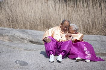 3 heartwarming videos that will restore your faith in love: http://t.co/iqgnYUz8nX http://t.co/cOS7Wl1N1A