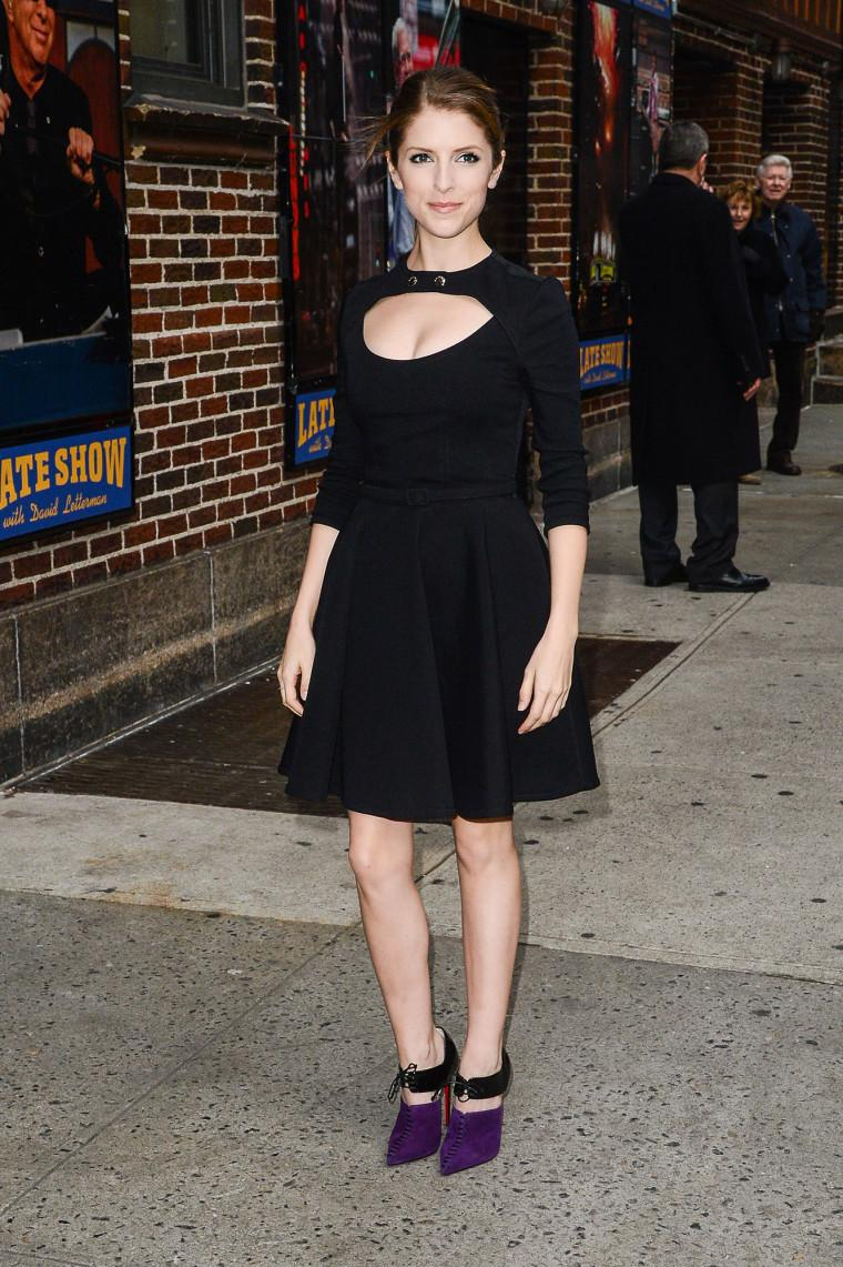 Anna Kendrick looks cool in cut-out Carven: http://t.co/GSYKu90I8L http://t.co/6N9sjWJ04E