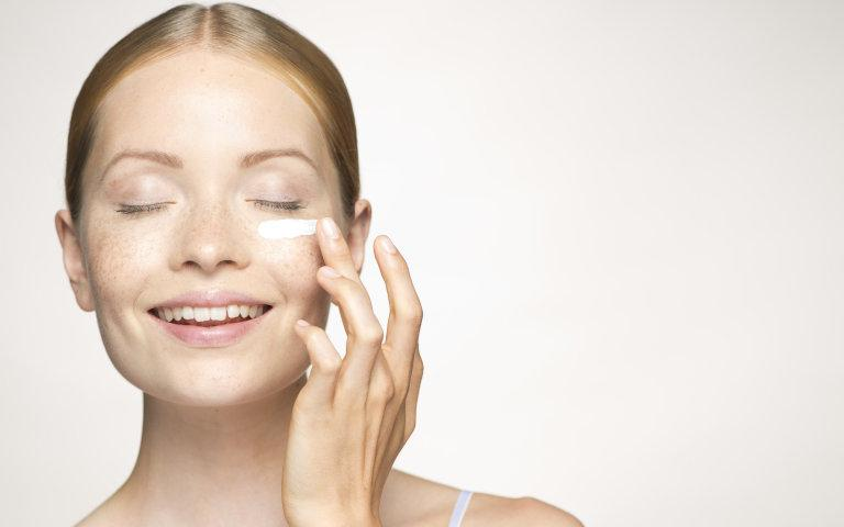 Dark circles and puffy eyes: What causes them, and what you can do about it http://t.co/AdtdtVm2UX #skincare #eyes http://t.co/blubLfkj2m