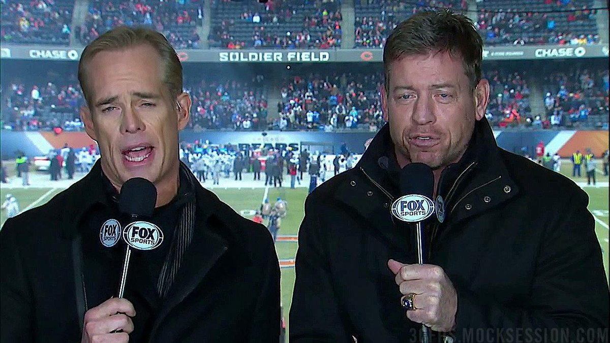 Looks like the last karaoke song of the night. RT @bubbaprog: Buck-Aikman family portrait http://t.co/bbqQcXHs9U http://t.co/nWZ6oD0yvC