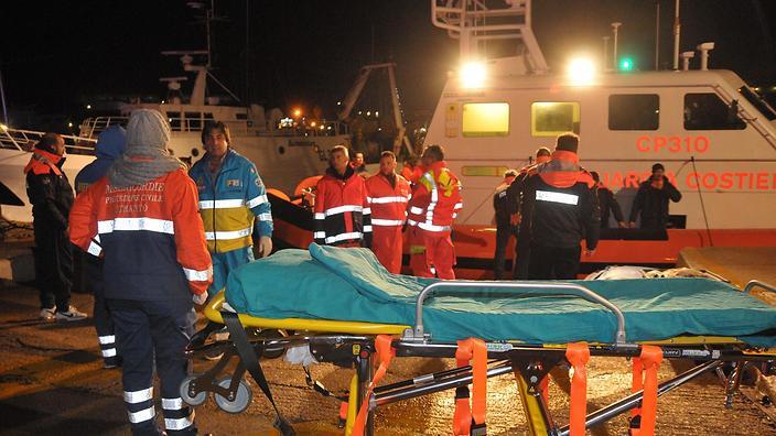 @SBSNews: Greek ferry fire: 'Our shoes were melting'. http://t.co/MVozw3TA4T http://t.co/Jahtg3fDyl