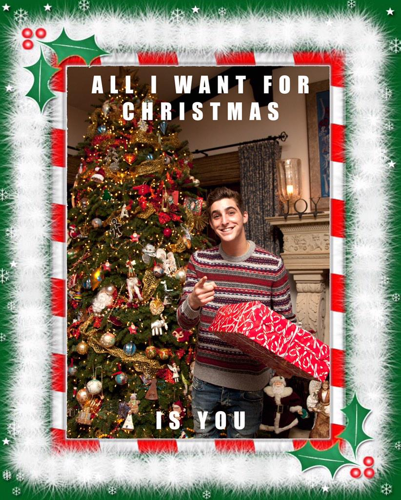 RT @jacksonguthy: Happy holidays. I got you guys a card http://t.co/b9QkXfeTLK