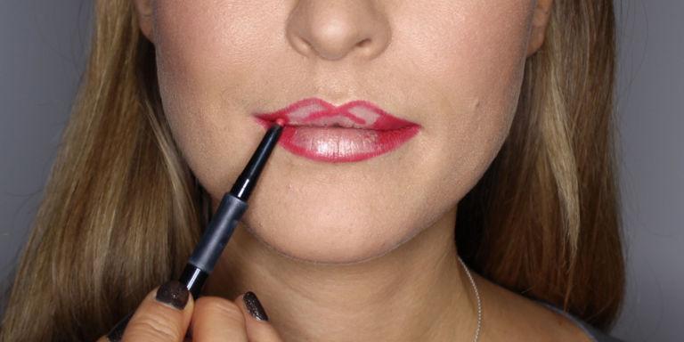 Quick party makeup tutorials that use GENIUS techniques for easy, gorgeous looks http://t.co/HEaEqhzPGt http://t.co/IEZVq5yspP