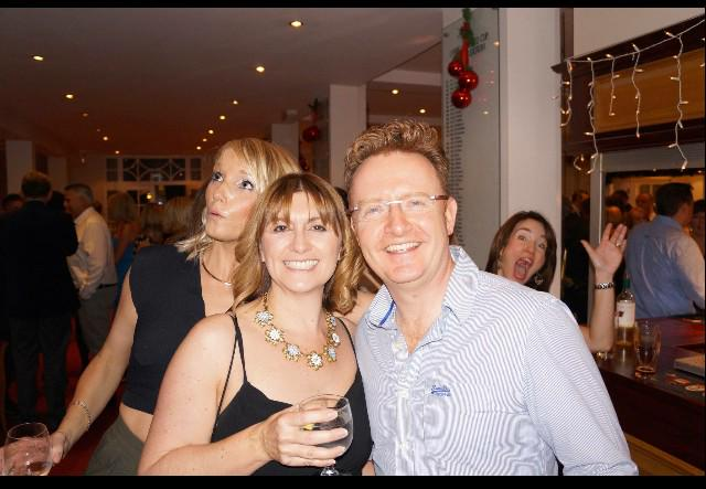 I have no idea who this couple are, but I think me & my friend Nicky did a sterling job of photo bombing them. http://t.co/r8RXhSDY3S