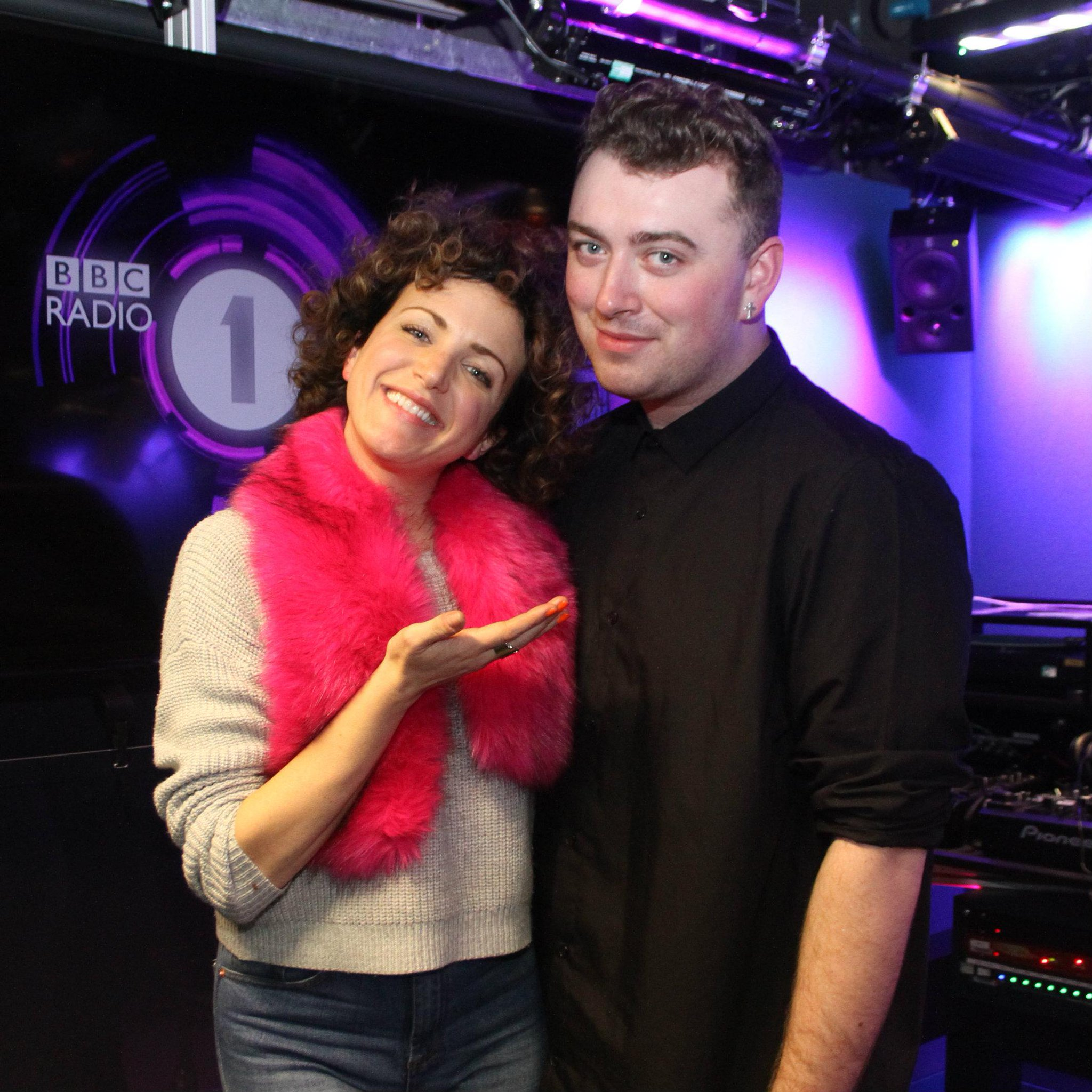 RT @BBCR1: .@samsmithworld is with @AnnieMac for the #musicalhotwaterbottle having a good old chinwag! http://t.co/WtGb7K6QDG http://t.co/d…