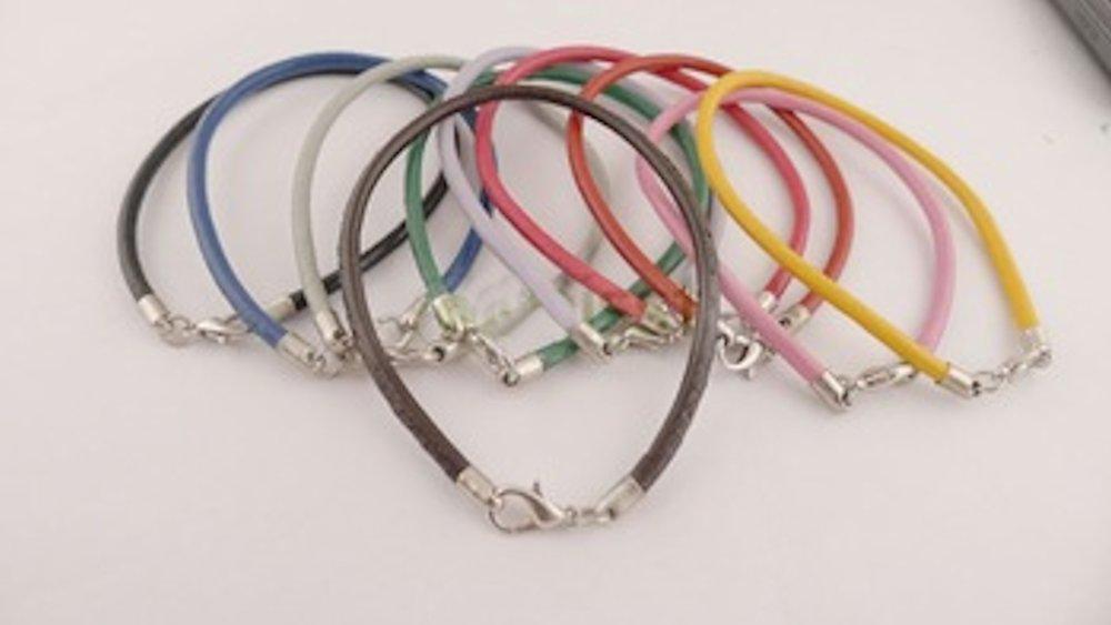 Leather bracelets https://t.co/w7ohIVQirZ  https://t.co/EHFAENVvW5  #gift #gadget #Jewellery