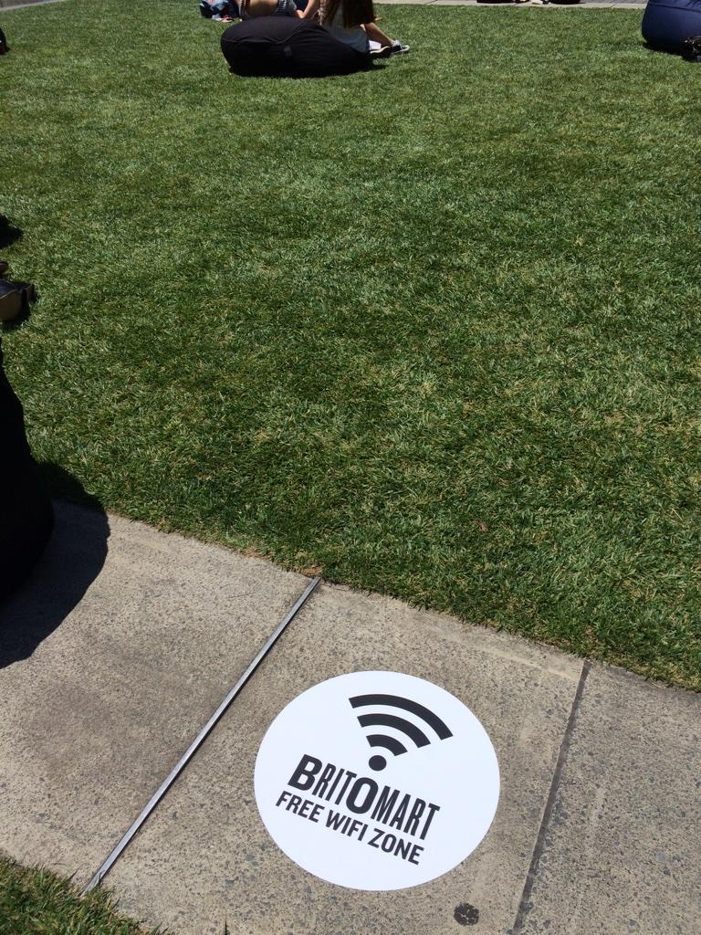 Free wifi has landed at Britomart in all public spaces. Relax on the lawn & connect with 1gb free per day #freewifi http://t.co/hBUw6o7xus