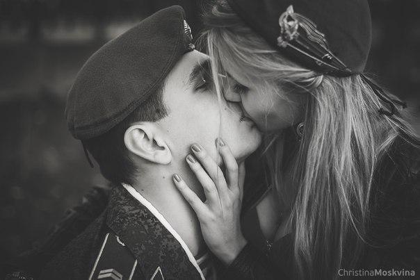 Парень провожает домой но не целует хуем между