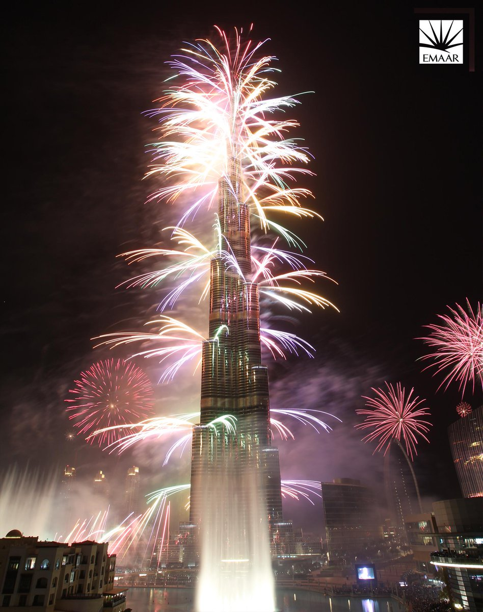 See @BurjKhalifa & @MyDowntownDubai Light Up The Sky!  Join us 31 December to witness New Year's fireworks! #BeThere http://t.co/L7G3q9nyYN