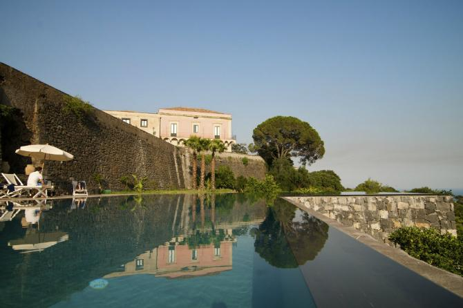 Thank you for the mention RT @luxurylaunches: @trecontrade one of the most stunning pools in the world  @ThinkVillas