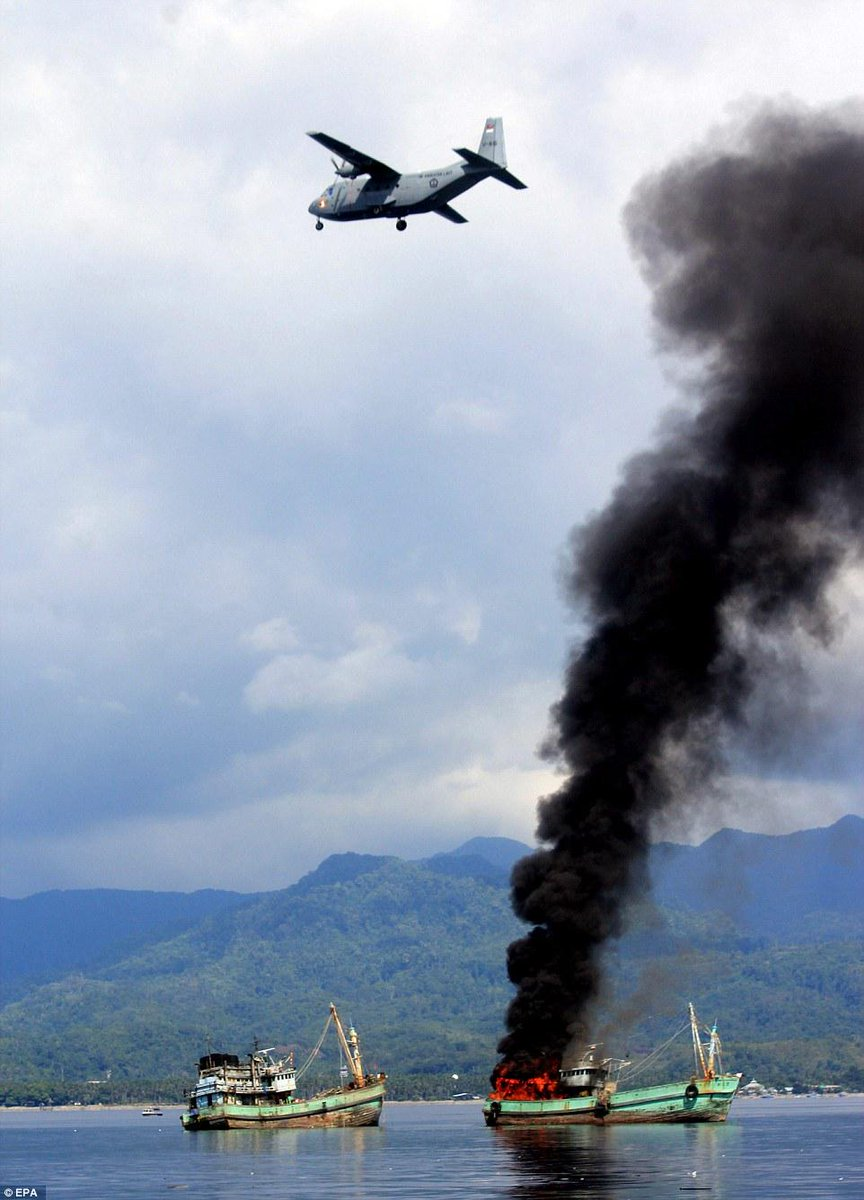 Indonesian navy blows up illegal foreign fishing vessels in spectacular fashion http://t.co/cELbmrVuXC - Just EPIC! http://t.co/4JYAqex59a