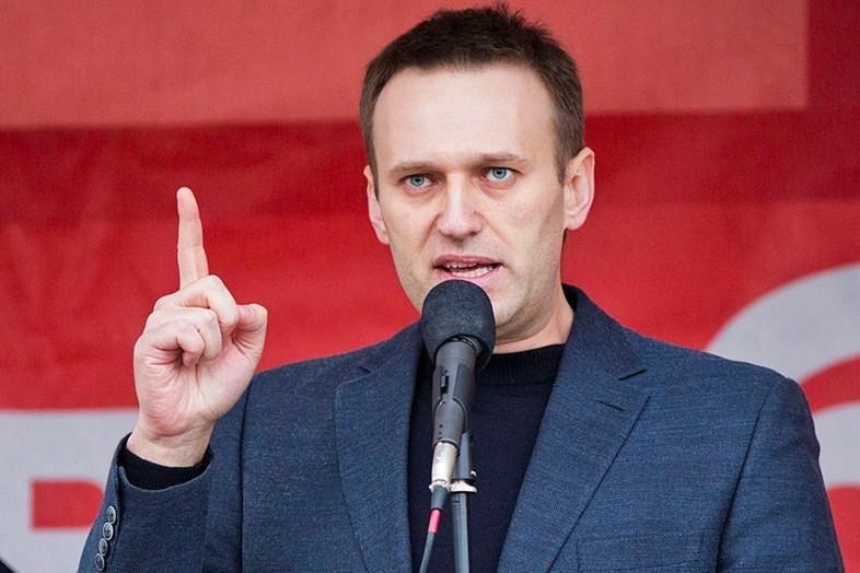 Facebook has blocked a protest event page supporting anti-Putin dissident Alexei Navalny: http://t.co/uJ7VqUVUkr http://t.co/MWWsUkQU9m