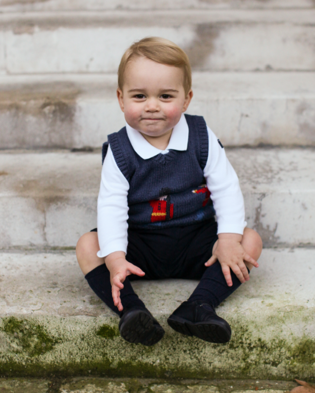 Little Prince George met a VERY important person this week: http://t.co/zEMnHwj0GF http://t.co/GeEOHcI6OF