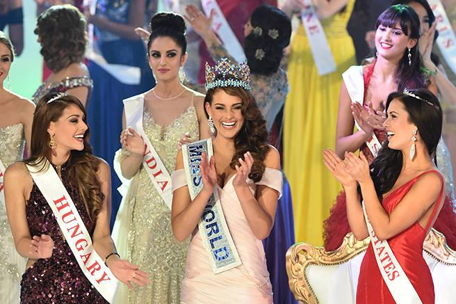 9 Miss World contestants explain what beauty looks like in their part of the world: http://t.co/kZYTjzkcU2 http://t.co/O7p4f6gB0W