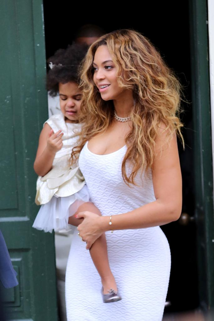 The 8 designers Beyonce, Kim Kardashian & more love for dressing curves--no tailoring required http://t.co/gmqzg0vRjb http://t.co/gOJsyAAo1P