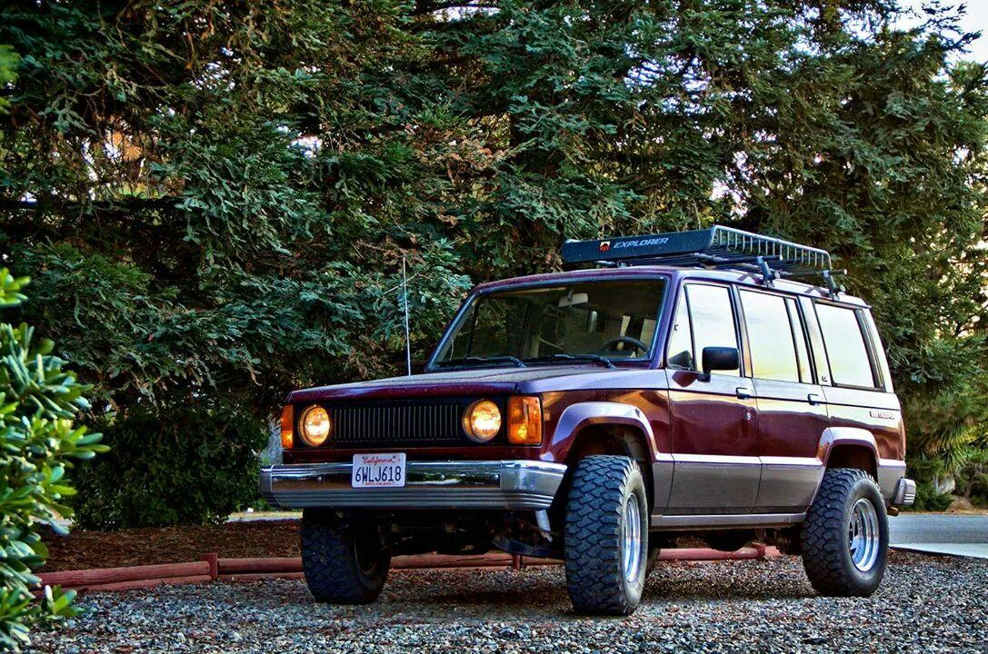 Isuzu Trooper Pics On Twitter Round Headlights Are Amazing Http T Co Rbqrzfvcgm