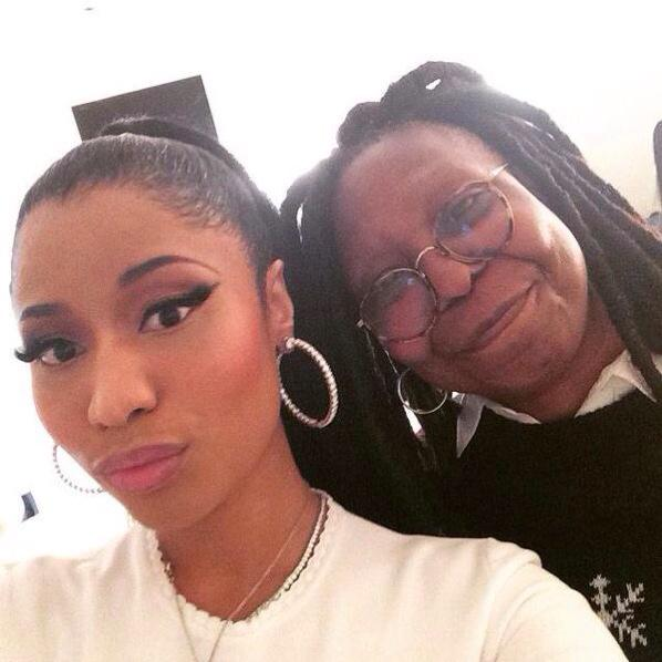"Lmfaooooooo ""@RtBecuz: Nicki Minaj look good but  Lil Wayne getting old http://t.co/Aa9SuRkgrE"""