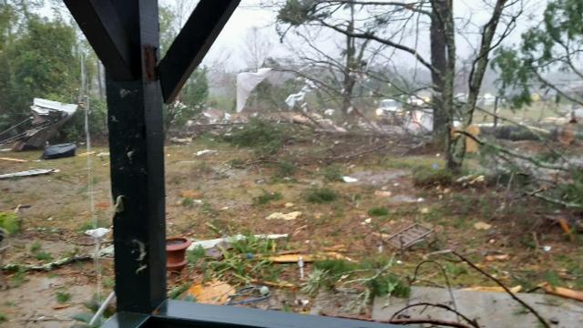 One more picture from Tangipahoa Emergency Management of damage near Amite. This is from earlier possible tornado. http://t.co/JxVs5wx5rZ