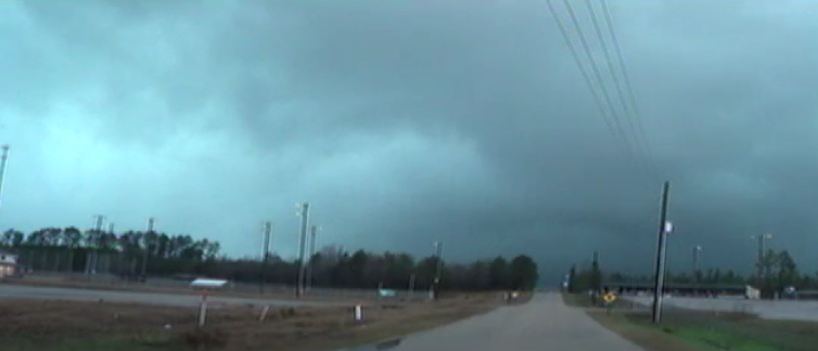 LIVE FEED: Large rain-wrapped tornado on the ground near Sumrall, MS #MSwx https://t.co/2wEwOiCBmU http://t.co/GOBixocQNo