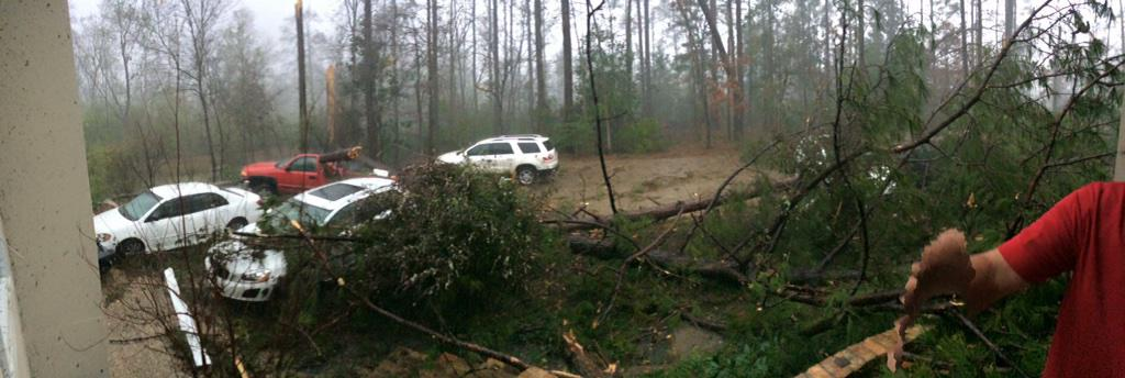 "Damage out of Columbia, MS from confirmed tornado at approx. 2:30PM.. ""His house is gone"" #MSwx via @Maajora http://t.co/BajKYuhitl"