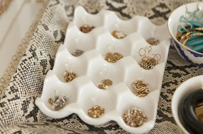 7 chic ways to display your jewelry: http://t.co/0d2OHSiMDp @Casadotcom http://t.co/onTRpe1s6t