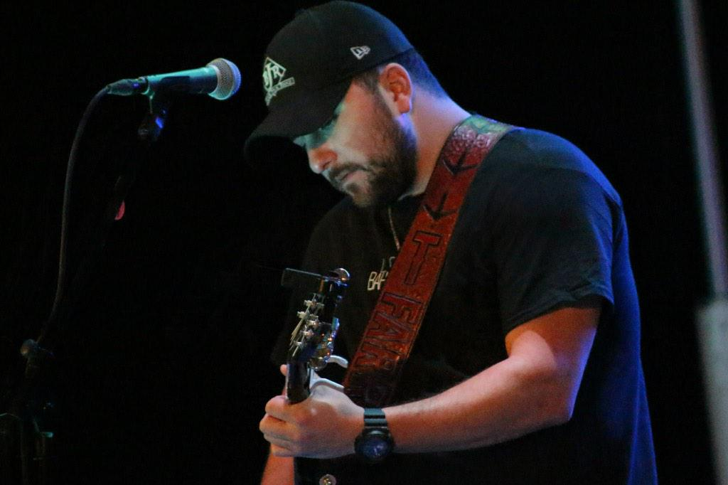 More pics from the @tylerfarr concert the other night here in ISA Bahrain. #navylife #deployment #greatshow #thanks!! http://t.co/OdHnDHwciA