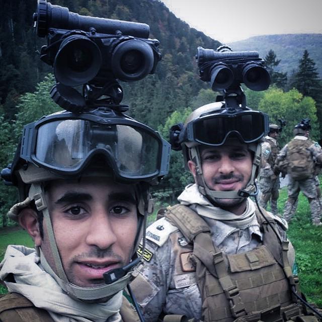 الموسوعه الفوغترافيه لصور القوات البريه الملكيه السعوديه (rslf) - صفحة 27 B5mk-W_CAAAYqGl