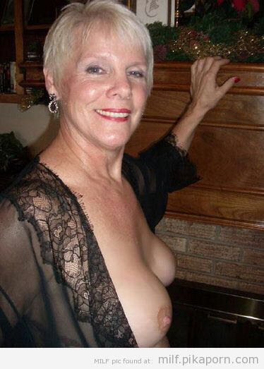 Mobile nude mature