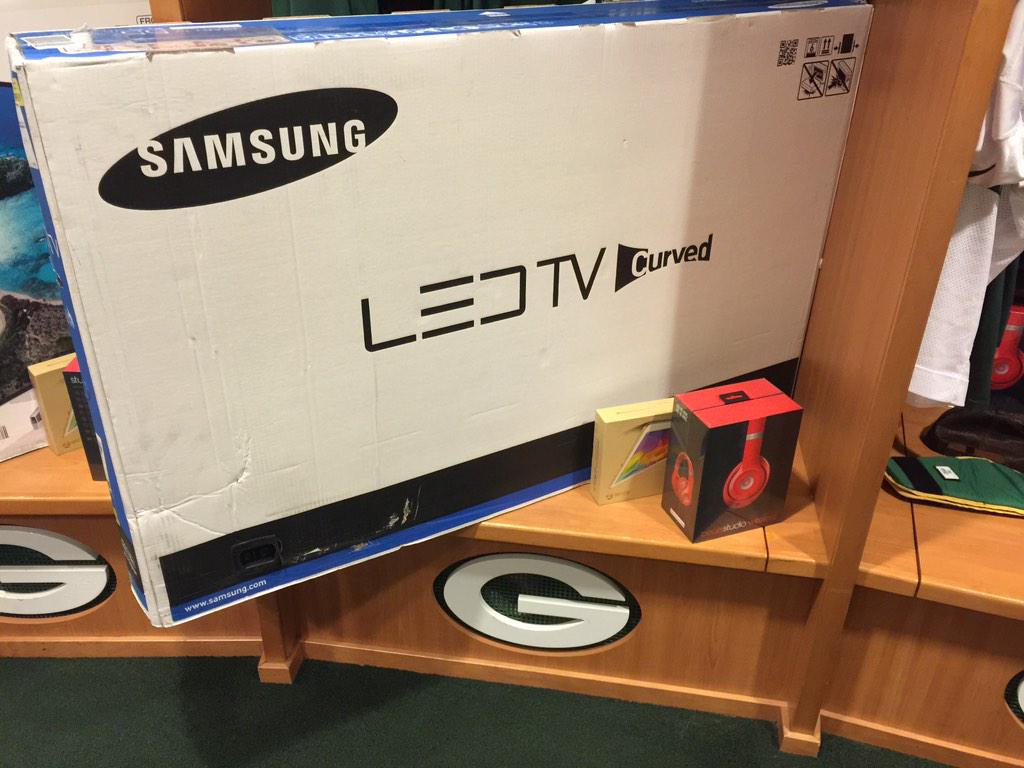 Aaron Rodgers buys TVs, tablets