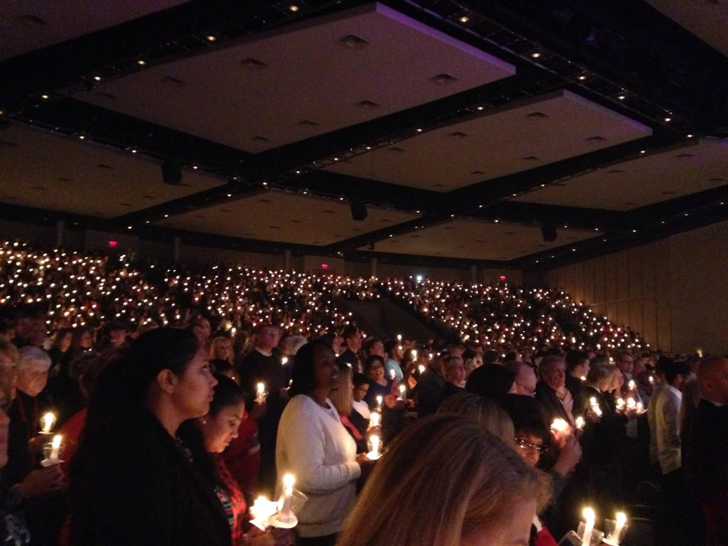 A Magical Christmas Candlelight Service @freechapel with @Jentezen Tonight! #liveorchestra #guideme #MerryChristmas http://t.co/CsB1doPtV3