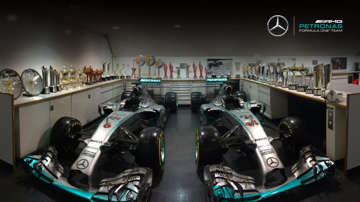#MerryChristmas from all at @MercedesAMGF1! Happy holidays, enjoy the...