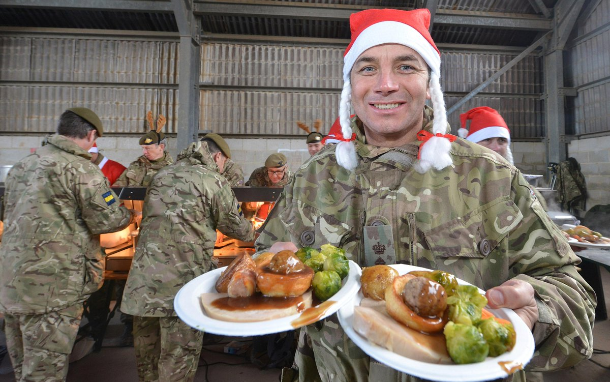 Merry Christmas to our troops! Special festive cheer goes out to all those having dinner away from their loved ones. http://t.co/jdqnW3hrLG