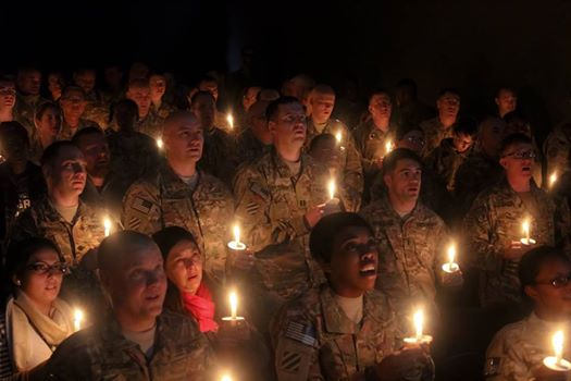.@ISAFmedia: #USArmy @3rd_Infantry #Soldiers in #Afghanistan sing #SilentNight #ChristmasEve |https://t.co/GlgMR2xXLt http://t.co/BbC2uT3xYc