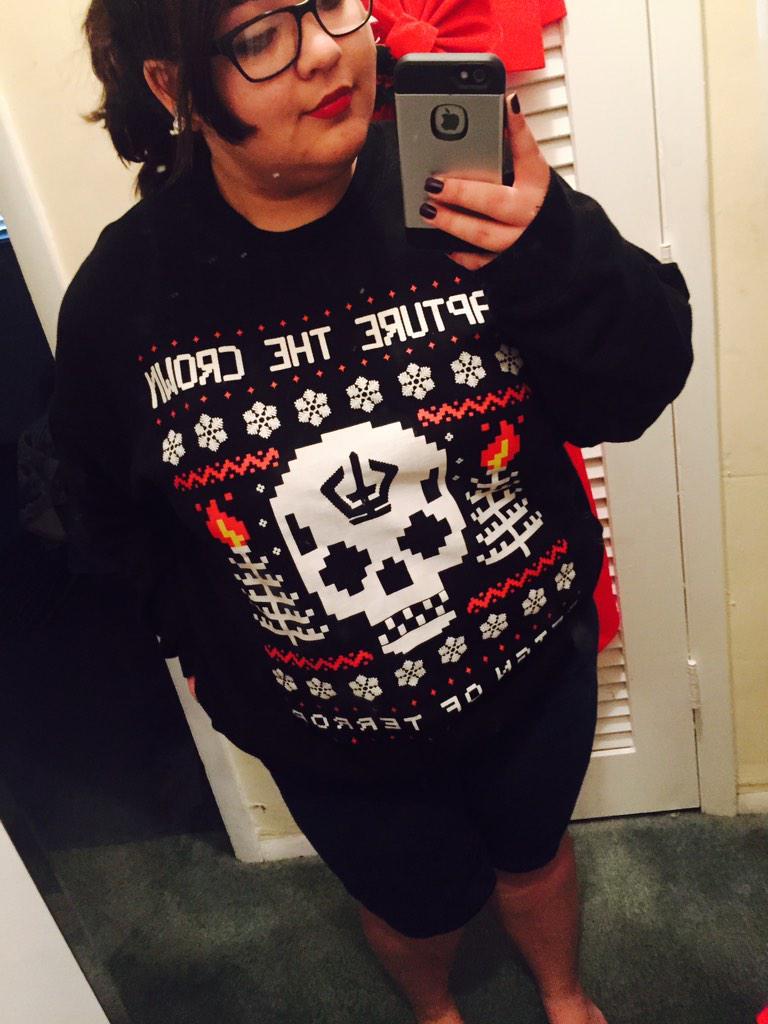 Gotta wear that @capturethecrown shirt to Christmas brunch