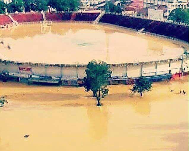 I'm sorry to inform our fans that our friendly game vs Persija Jakarta is off due to the flood that has hit Malaysia. http://t.co/CcbteGKSTb