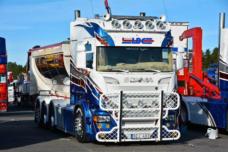 """scania v8 power on twitter: """"""""@onlywayisdutch: we have a stand off"""