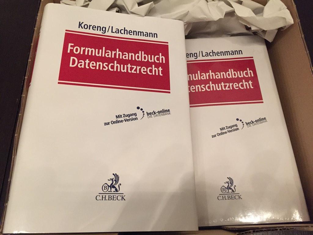 Es ist mir zu Weihnachten ein Buch erschienen: Das Beck'sche Formularhandbuch Datenschutzrecht ist da! http://t.co/dF5mJa1rNc