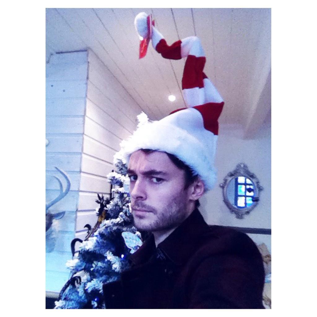 Head shape goals. Happy Holidays. http://t.co/KMcjX6MoXs