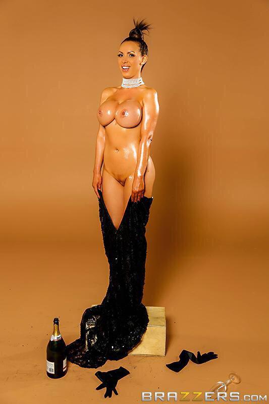 Kim kardashian champagne parody porn - Nikki benz on twitter