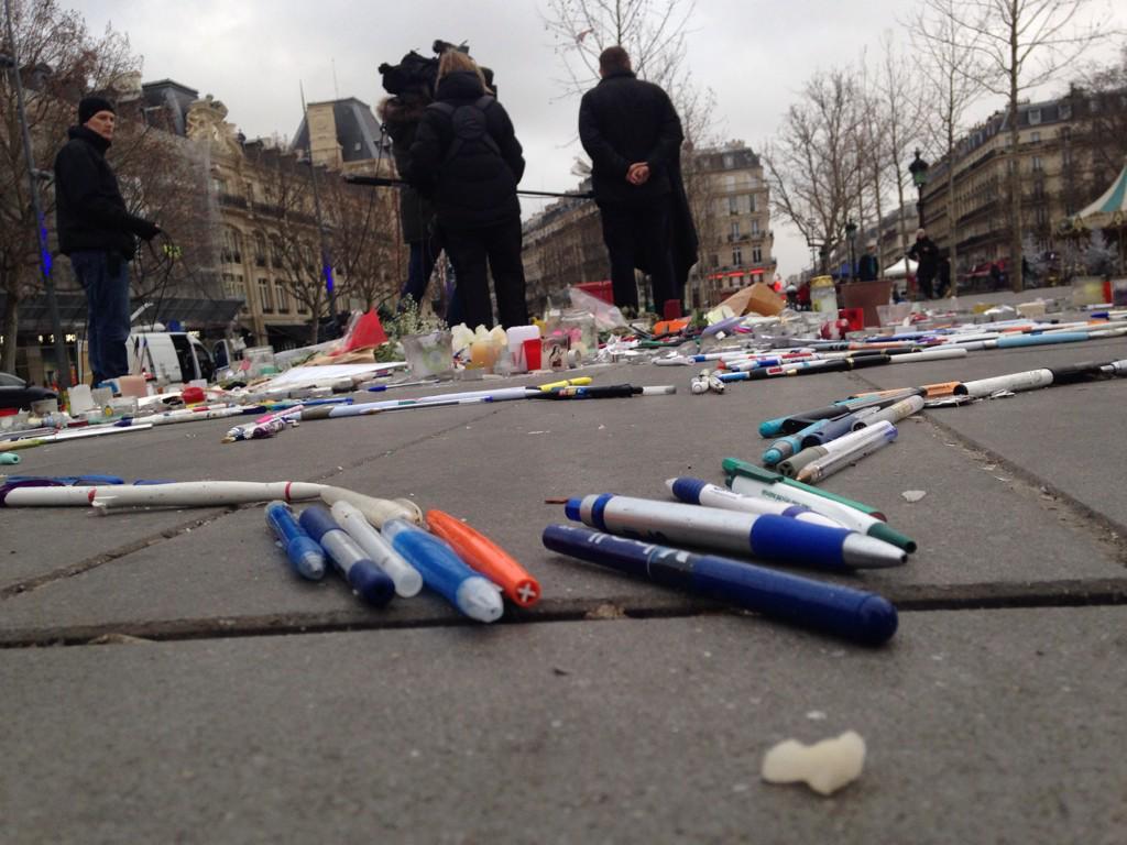 The pens of Paris in Place De La Republique http://t.co/RVQoDTqdsO