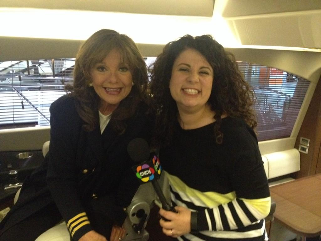 Dawn Wells,'Mary Ann' Gilligan's Island.she hasn't aged! It's the coconut cream pie! @TorontoBoatShow @morninglive http://t.co/6FFdlqBtS5