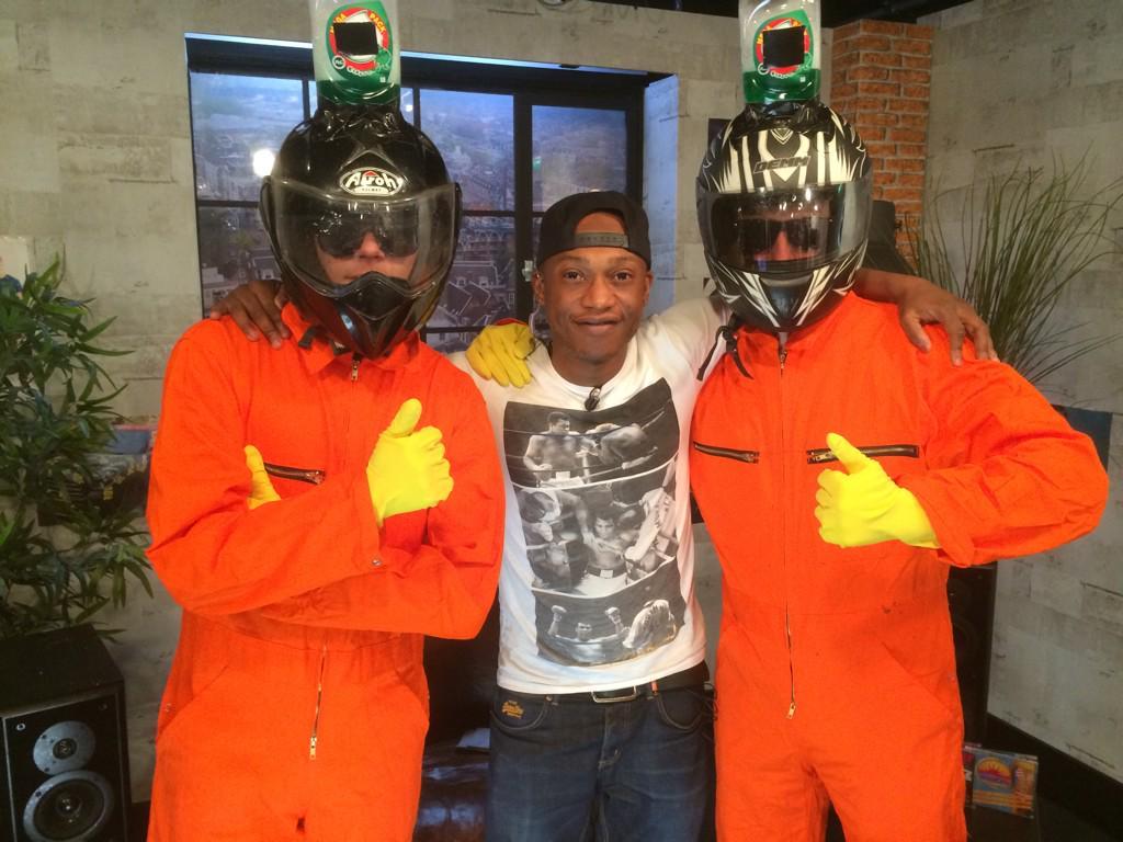Ineens waren ze bij ons in de studio: Dreft Punk #huishoudbeurs http://t.co/ytwdxltcPa