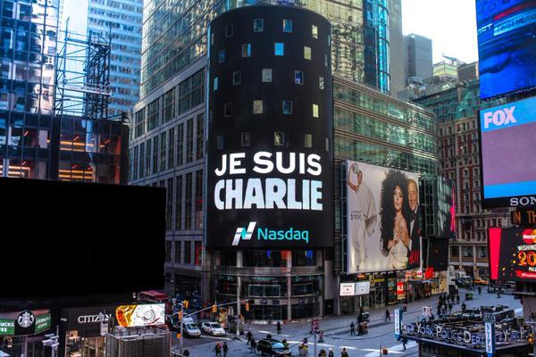 """Cabu et ses potes auraient halluciné de voir le slogan Je suis Charlie s'afficher sur la bourse de New York ! http://t.co/KvomakU9N2"""""""